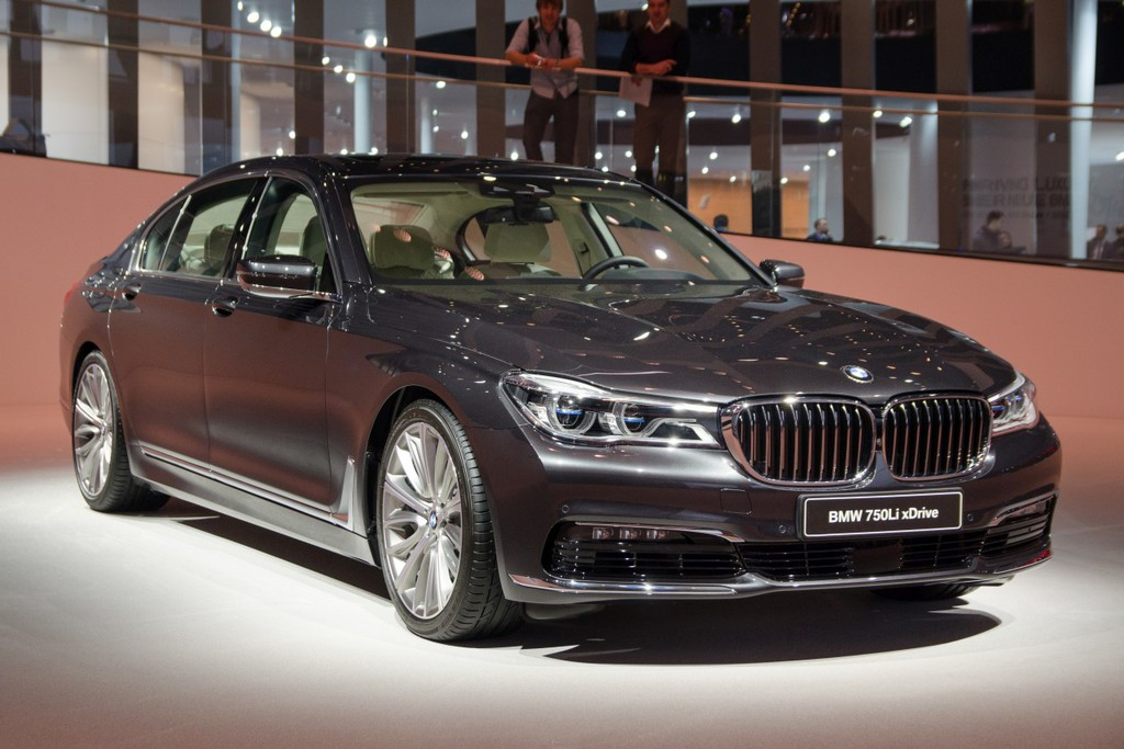 nieuwe bmw 7 serie live even ontspannen achterin autonieuws. Black Bedroom Furniture Sets. Home Design Ideas