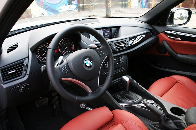 Test bmw x1 2010 for Interieur x1