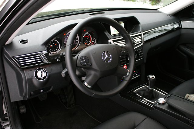 Test mercedes benz e klasse 2010 for Interieur e klasse