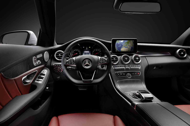 Eerste foto s interieur mercedes benz c klasse for Interieur e klasse
