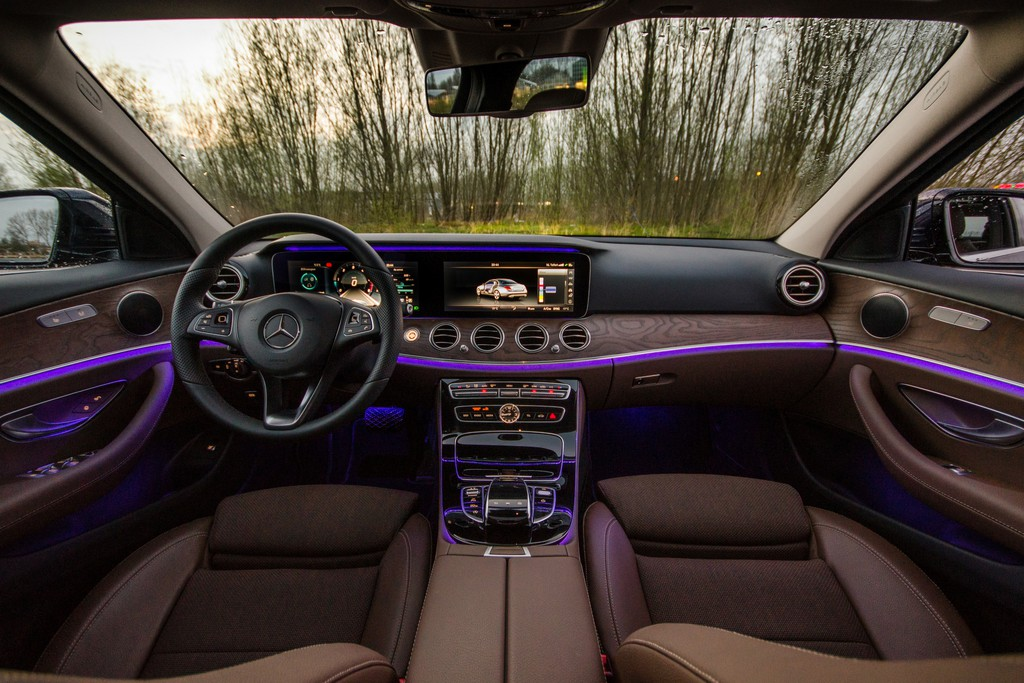 Mercedes benz e klasse fotoreportages for Interieur e klasse 2017