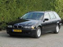 BMW 5-serie - 525d touring handgeschakeld