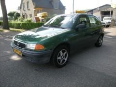 Opel Astra - 1.6i sport