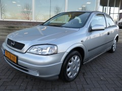Opel Astra - 1.6I 3-DEURS