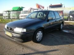 Opel Vectra - 1.6i GL