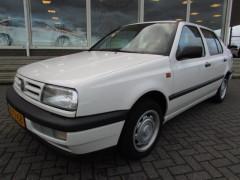 Volkswagen Vento - 1.8 CL SEDAN + STUURBEKRACHTIGING