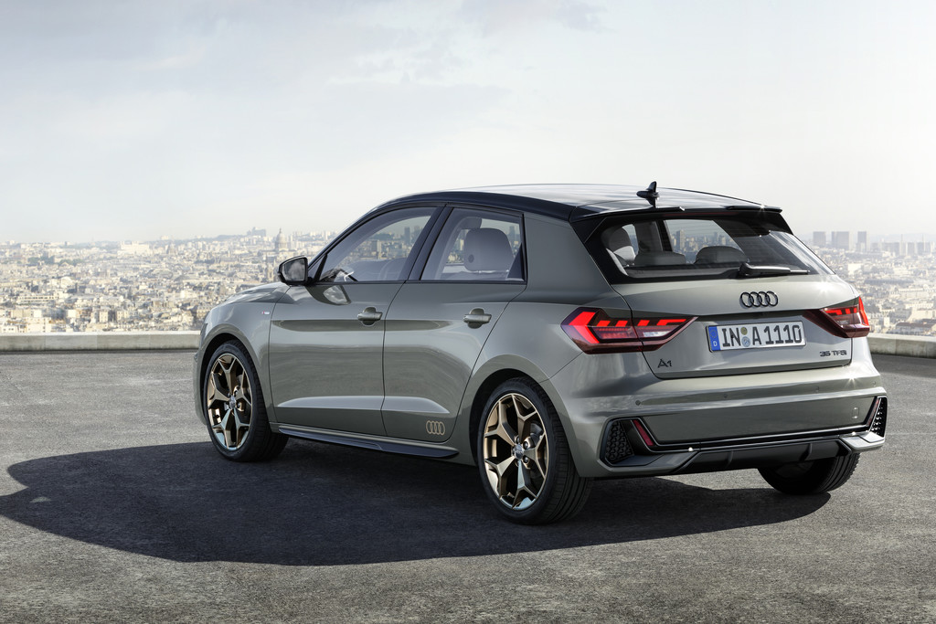 nieuwe audi a1 sportback onthuld autonieuws. Black Bedroom Furniture Sets. Home Design Ideas