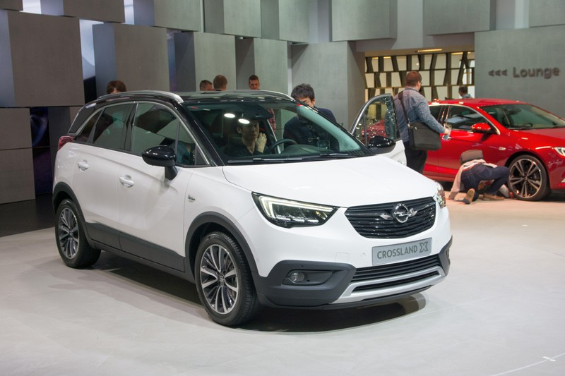 opel crossland x 2017 autoforum. Black Bedroom Furniture Sets. Home Design Ideas