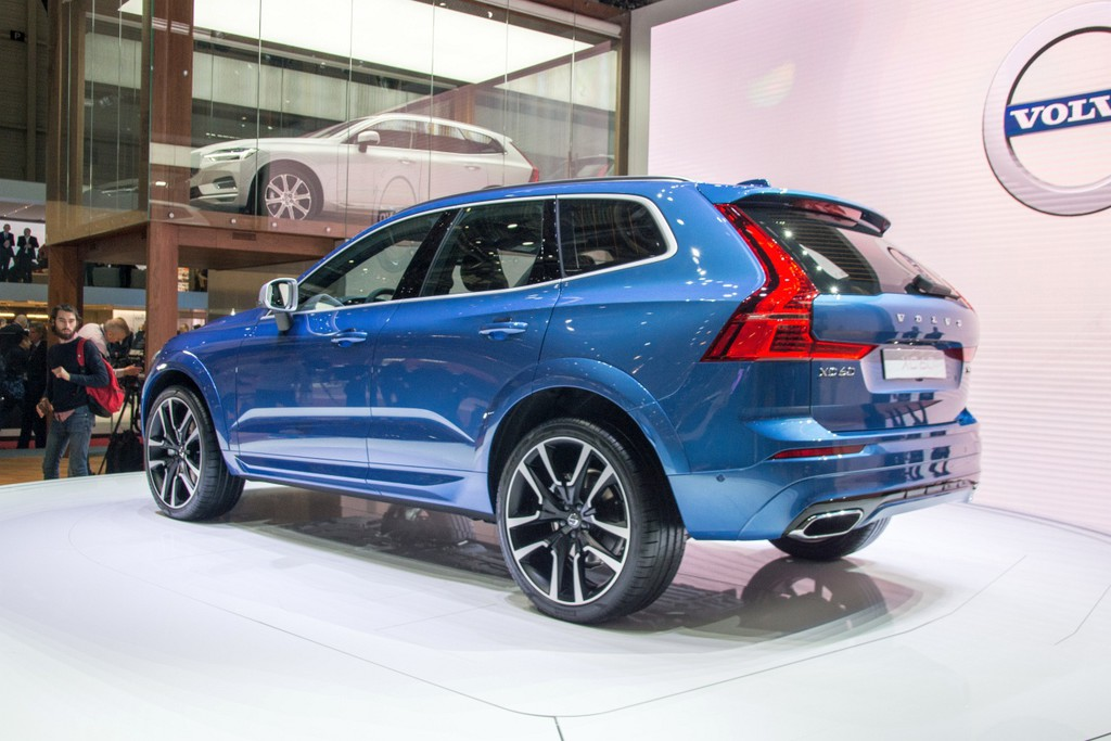 Autosalon gen ve 2017 volvo xc60 fotoreportages for Auto interieur bekleden prijs