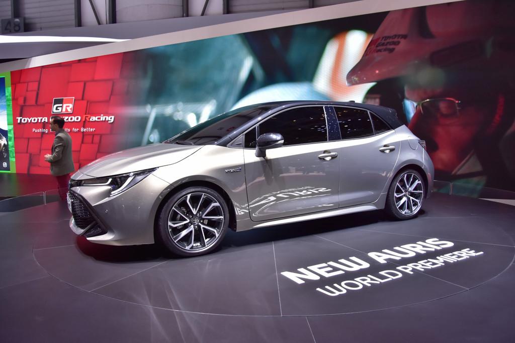 Nieuws Nieuwe Toyota Corolla Op Autosalon Van Gen 232 Ve