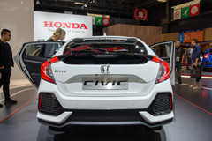 Honda Civic, Civic Sedan en Civic Type R