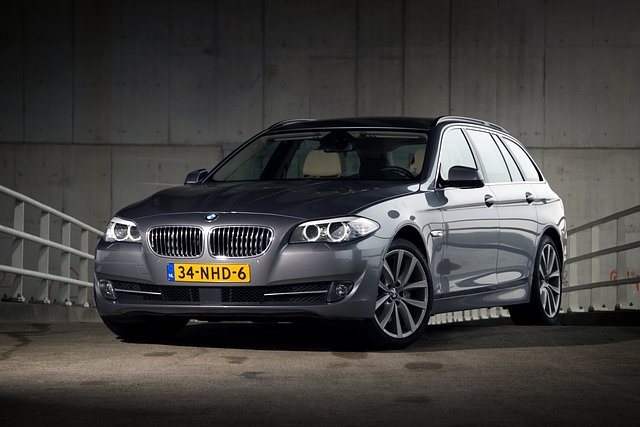 Autotest BMW 530d Touring High Executive