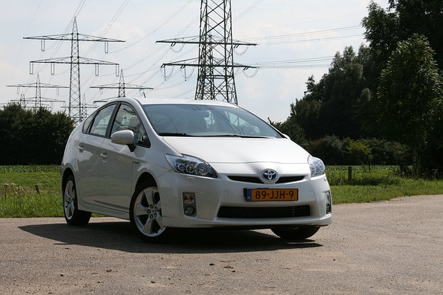 Autotest Toyota Prius 1.8 HSD Dynamic