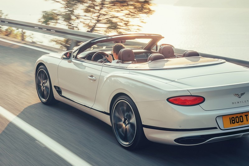 Hier is de Bentley Continental GT Convertible
