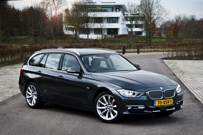 BMW 320dA Touring High Executive
