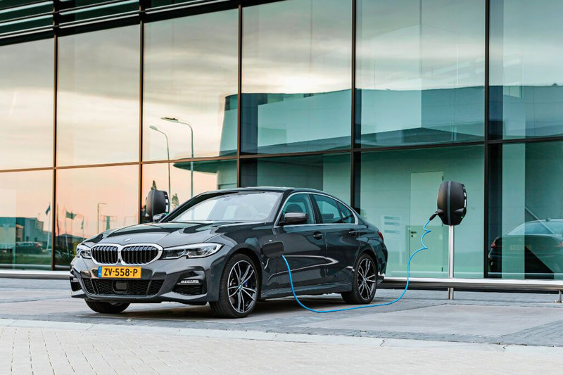 Actiemodel: BMW 330e eDrive Edition