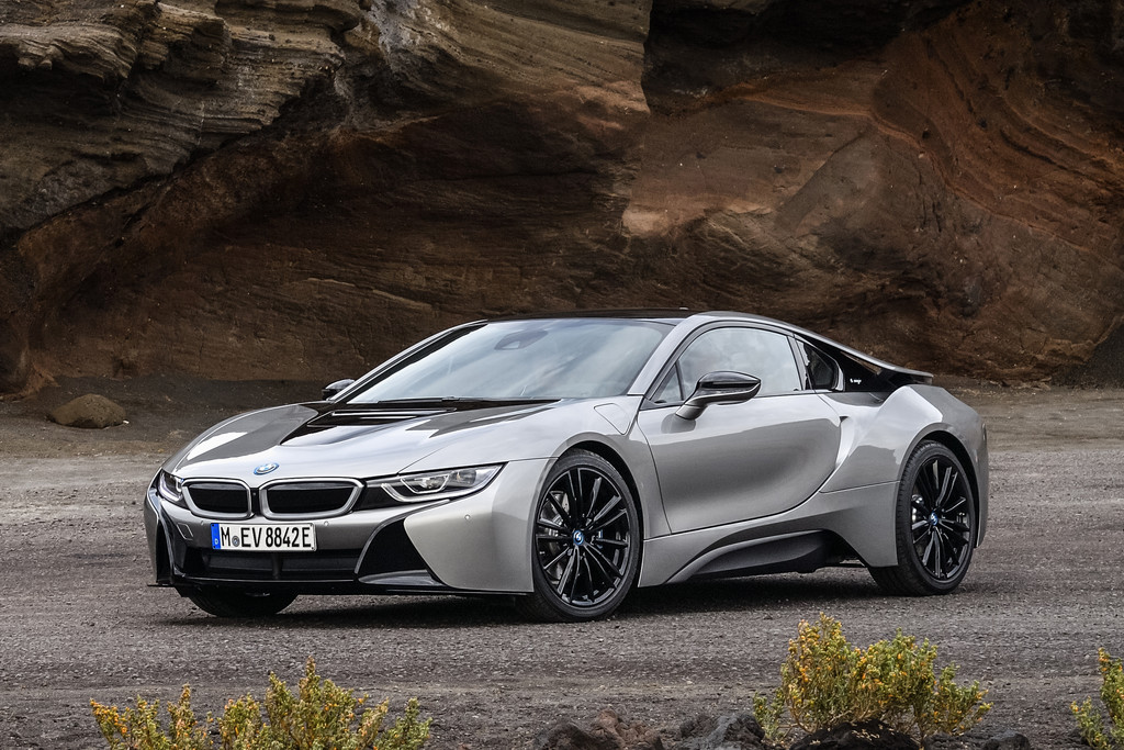 prijzen vernieuwde bmw i8 en i8 roadster bekend autonieuws. Black Bedroom Furniture Sets. Home Design Ideas