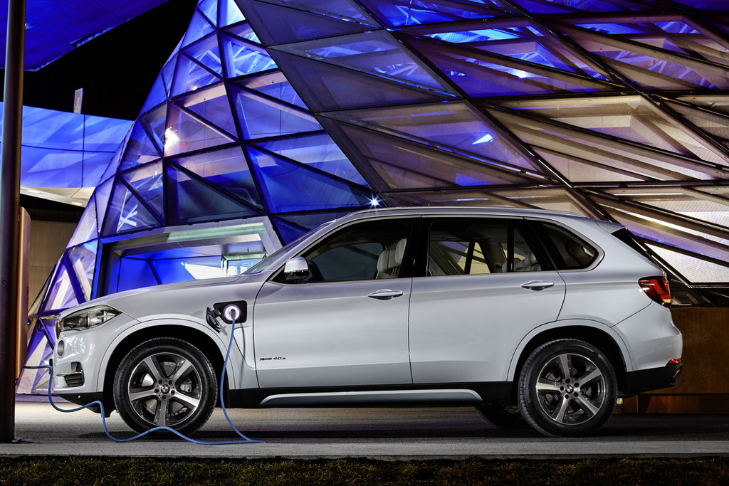 bmw plug in hybride x5 xdrive40e met 14 procent bijtelling autonieuws. Black Bedroom Furniture Sets. Home Design Ideas