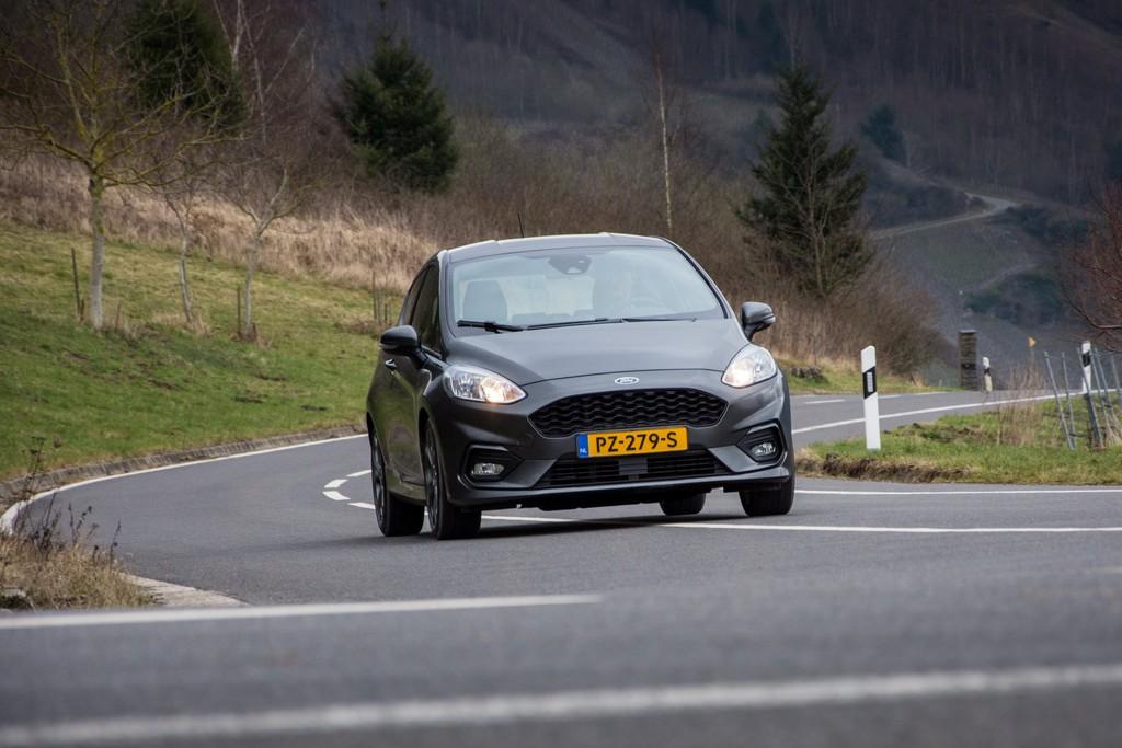 Test Ford Fiesta St Line Rijtest Fotos Autokopennl