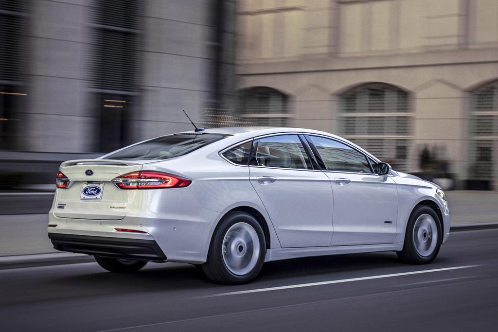 Hier is de vernieuwde Ford Mondeo, opnieuw - Autonieuws ...