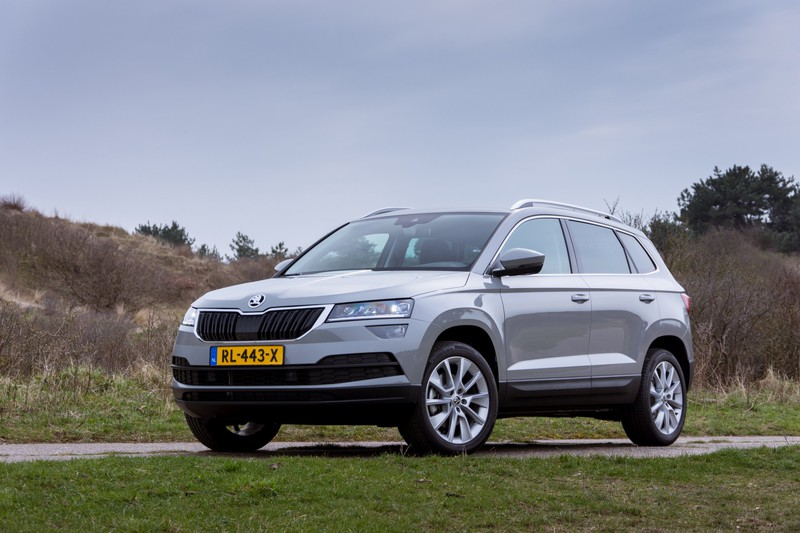 test skoda karoq 1 5 tsi rijtest foto en video. Black Bedroom Furniture Sets. Home Design Ideas