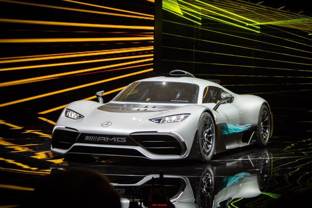 In 6 seconden van 0 200 km u mercedes amg project one for Mercedes benz amg project one