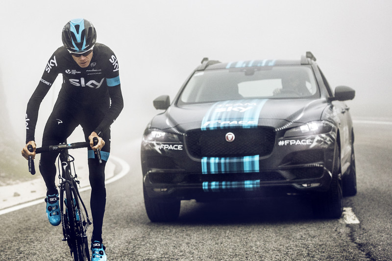 Jaguar F-Pace present bij start Tour de France in Utrecht