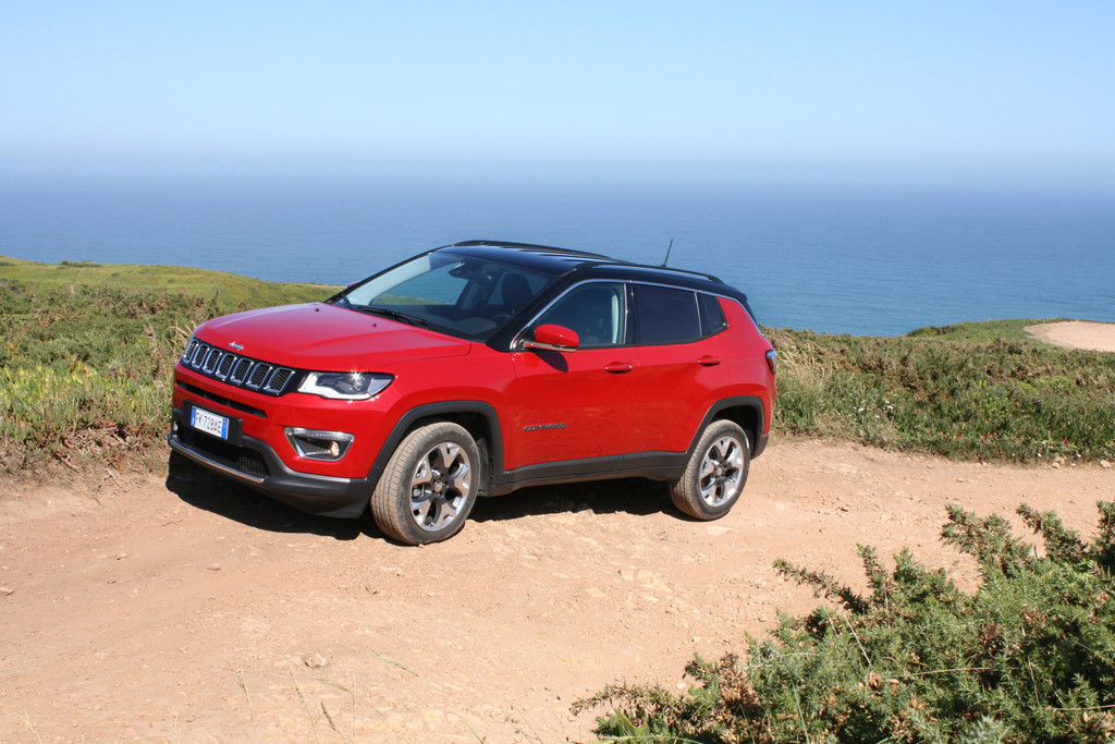 test jeep compass uitgebreide autotest en foto 39 s. Black Bedroom Furniture Sets. Home Design Ideas
