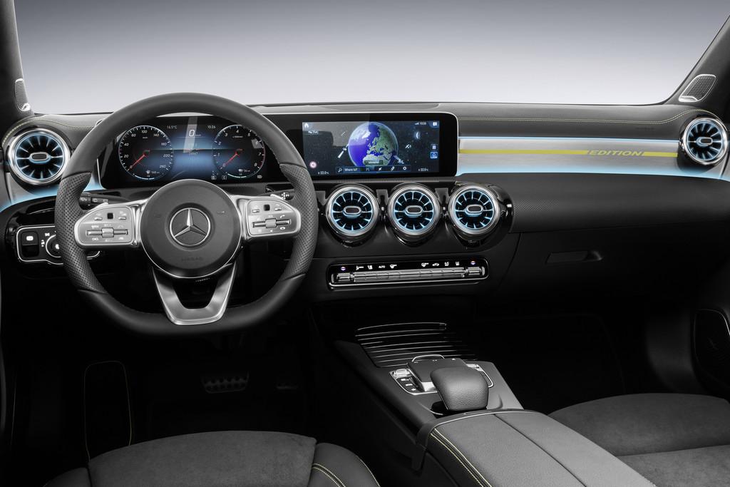 Mercedes Benz Onthult Interieur Nieuwe A Klasse Autonieuws