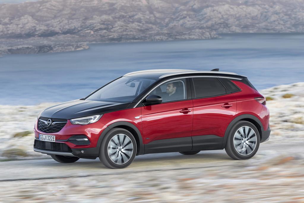 Dankzij hybridetechniek krijgt Opel Grandland X vierwielaandrijving