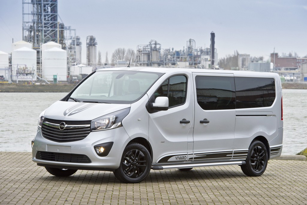 Wspaniały Opel Vivaro Innovation 2.0 is luxe, gelimiteerde bus - Autonieuws GE94