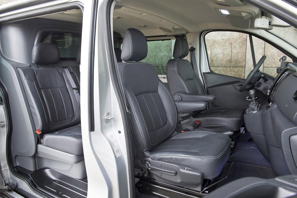 opel vivaro innovation 2 0 is luxe gelimiteerde bus autonieuws. Black Bedroom Furniture Sets. Home Design Ideas