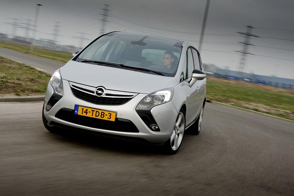 test: opel zafira tourer - 2012 | autokopen.nl
