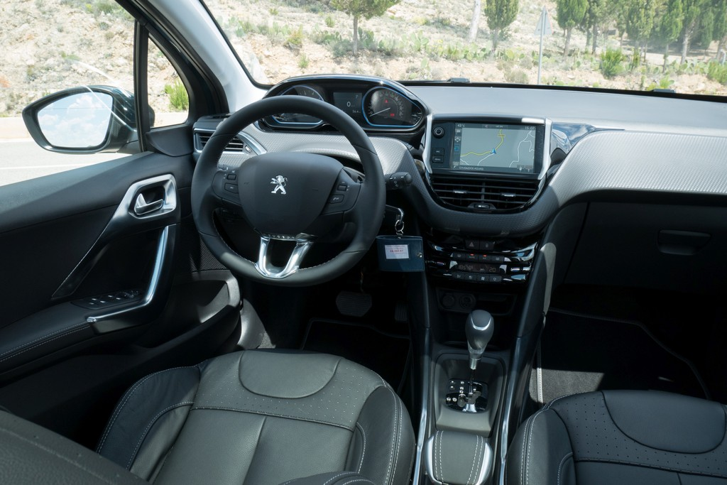 test peugeot 2008 suv 2016 autotest foto 39 s. Black Bedroom Furniture Sets. Home Design Ideas