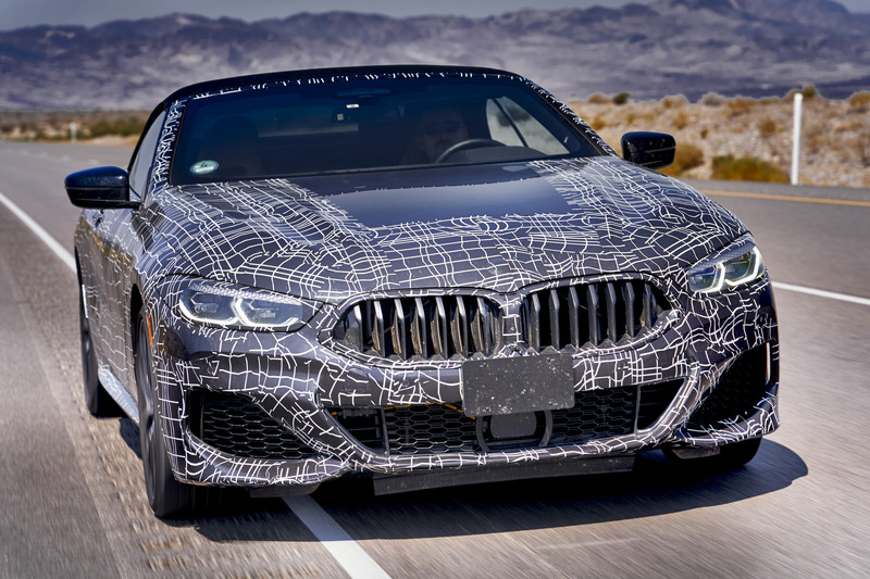BMW 8 Serie Cabrio is onderweg