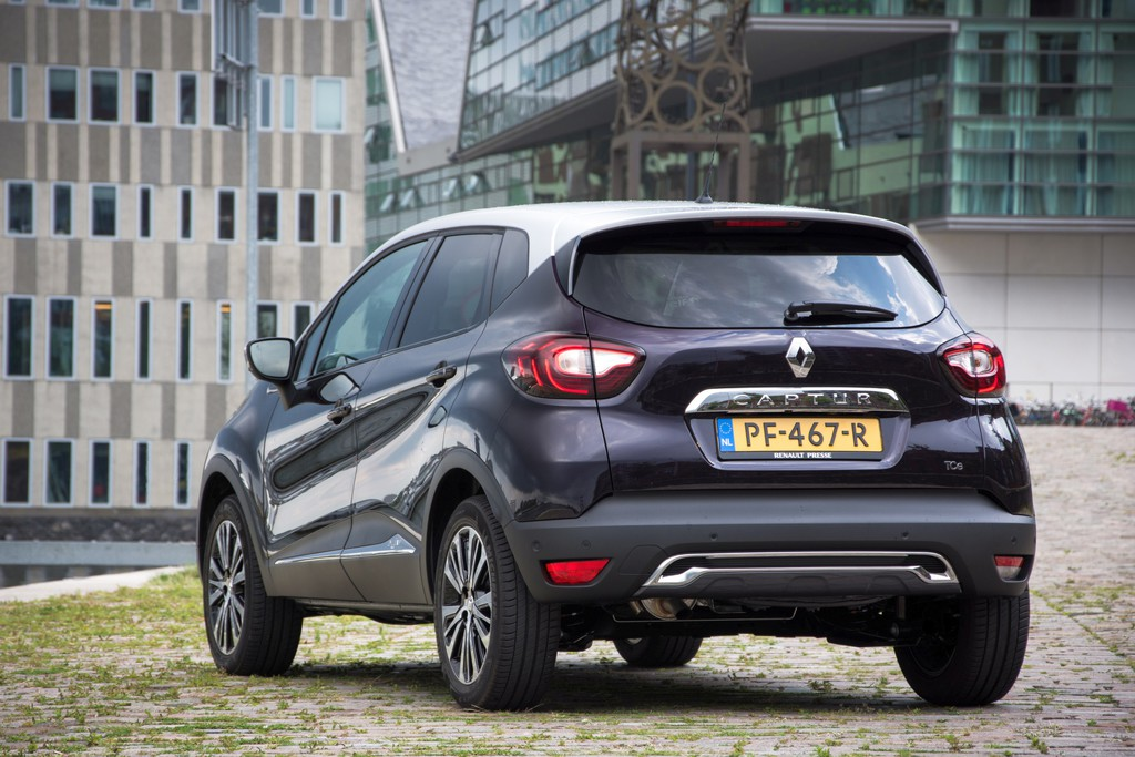 test renault captur 2017 rijtest en foto 39 s. Black Bedroom Furniture Sets. Home Design Ideas