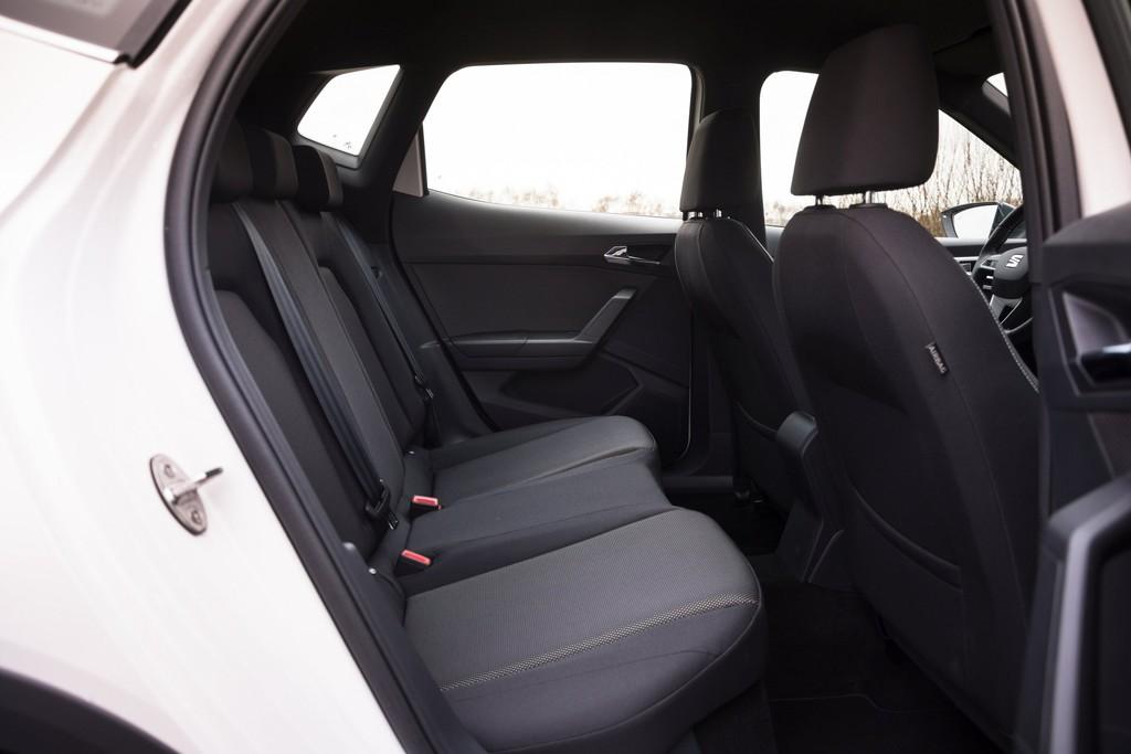 test seat arona 2018 autotest foto 39 s. Black Bedroom Furniture Sets. Home Design Ideas
