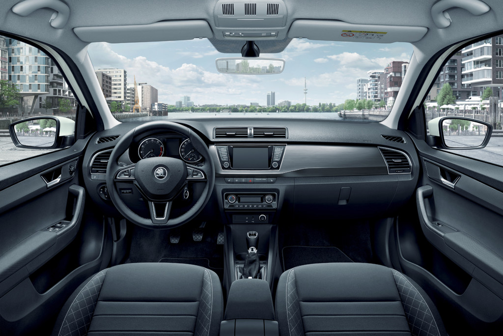test skoda fabia combi 2015. Black Bedroom Furniture Sets. Home Design Ideas