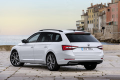 Skoda Superb Combi 2016 - Sportline Business