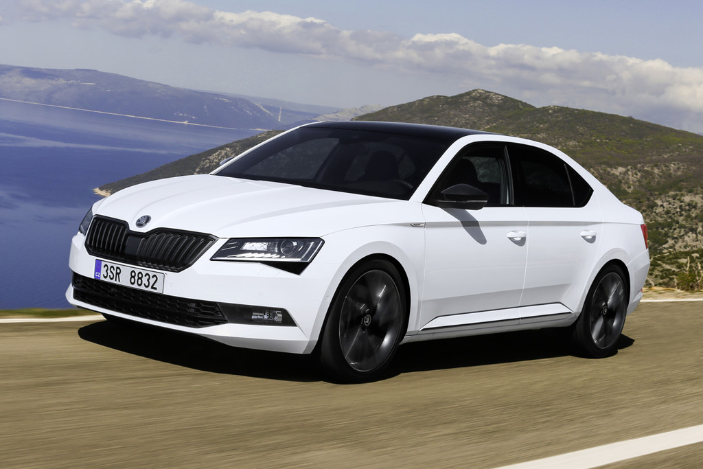 skoda superb als nieuwe sportline business autonieuws. Black Bedroom Furniture Sets. Home Design Ideas