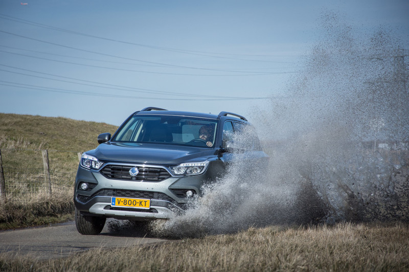 SsangYong Rexton Y400