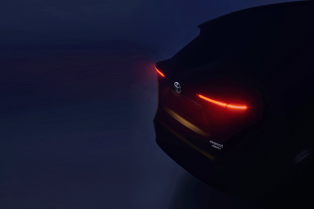 Teaser compacte SUV Toyota