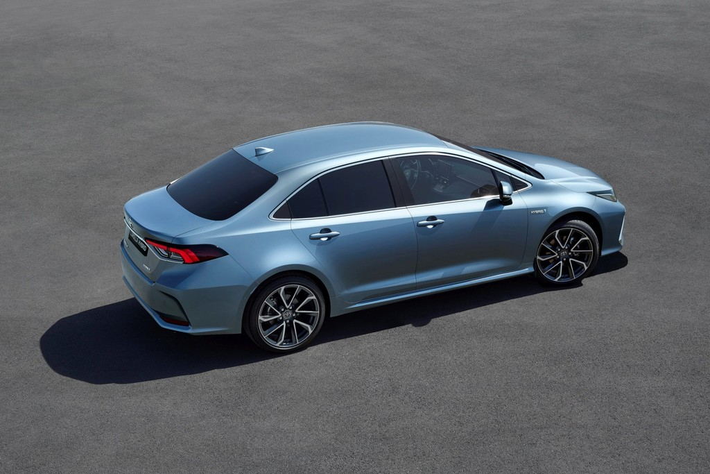 Nieuws Toyota Corolla Sedan Komt Naar Nederland Autokopen Nl