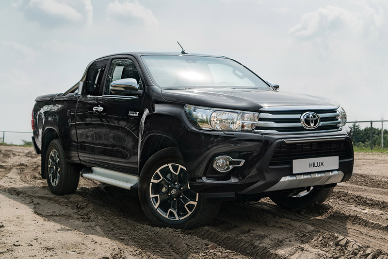 50 jaar toyota nederland Toyota viert 50 jaar Hilux met Fifty uitvoering   Autonieuws  50 jaar toyota nederland
