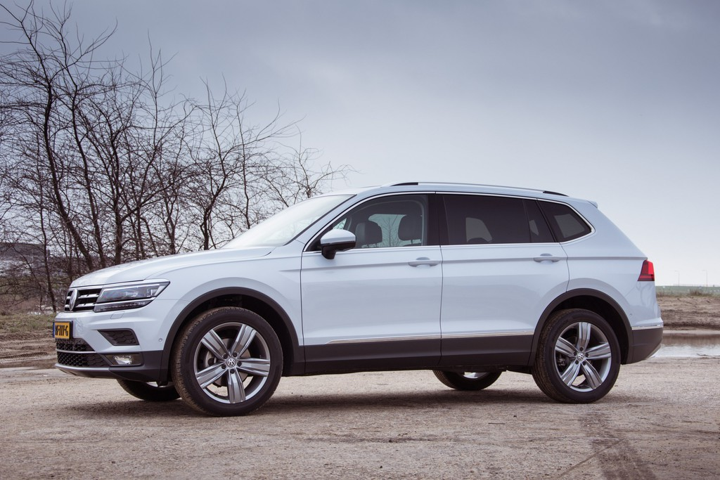 test volkswagen tiguan allspace review en foto 39 s. Black Bedroom Furniture Sets. Home Design Ideas