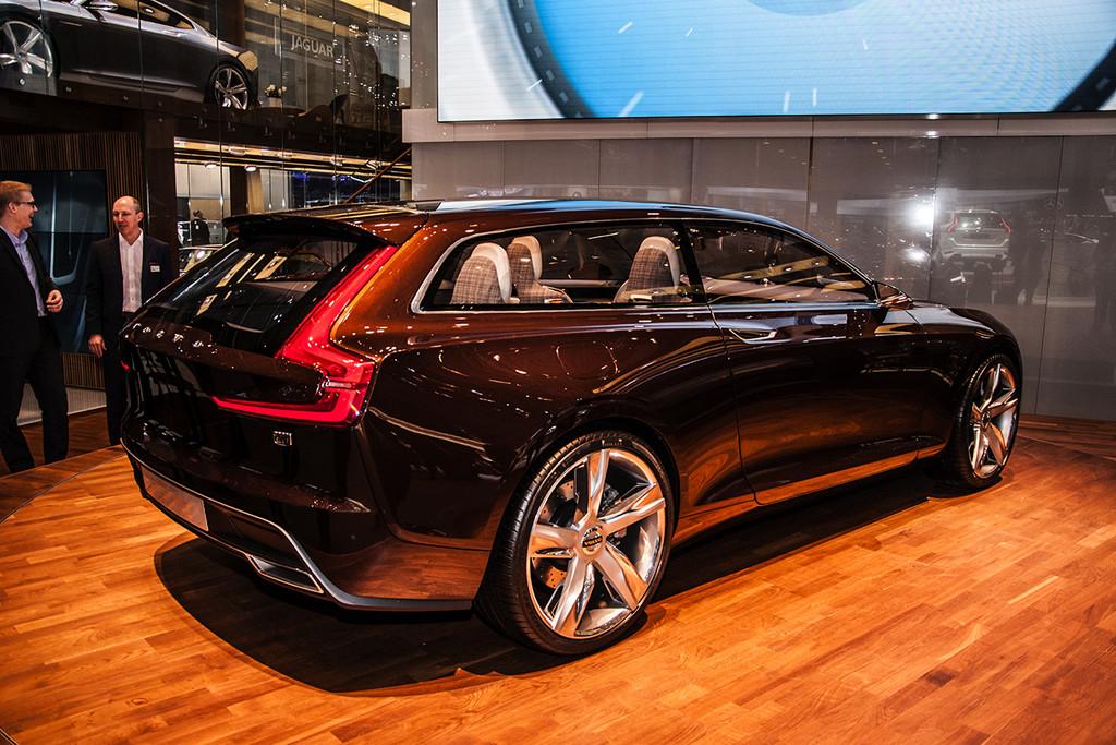 Genève 2014: Volvo Concept Estate en V40 D4 - Fotoreportages   Autokopen.nl