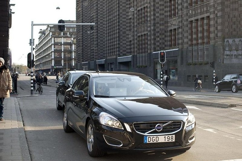 Volvo test S60 in Amsterdams stadsverkeer