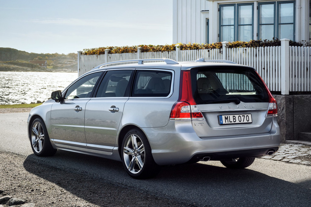 nieuwe motoren en uitvoeringen volvo v70 en xc70. Black Bedroom Furniture Sets. Home Design Ideas
