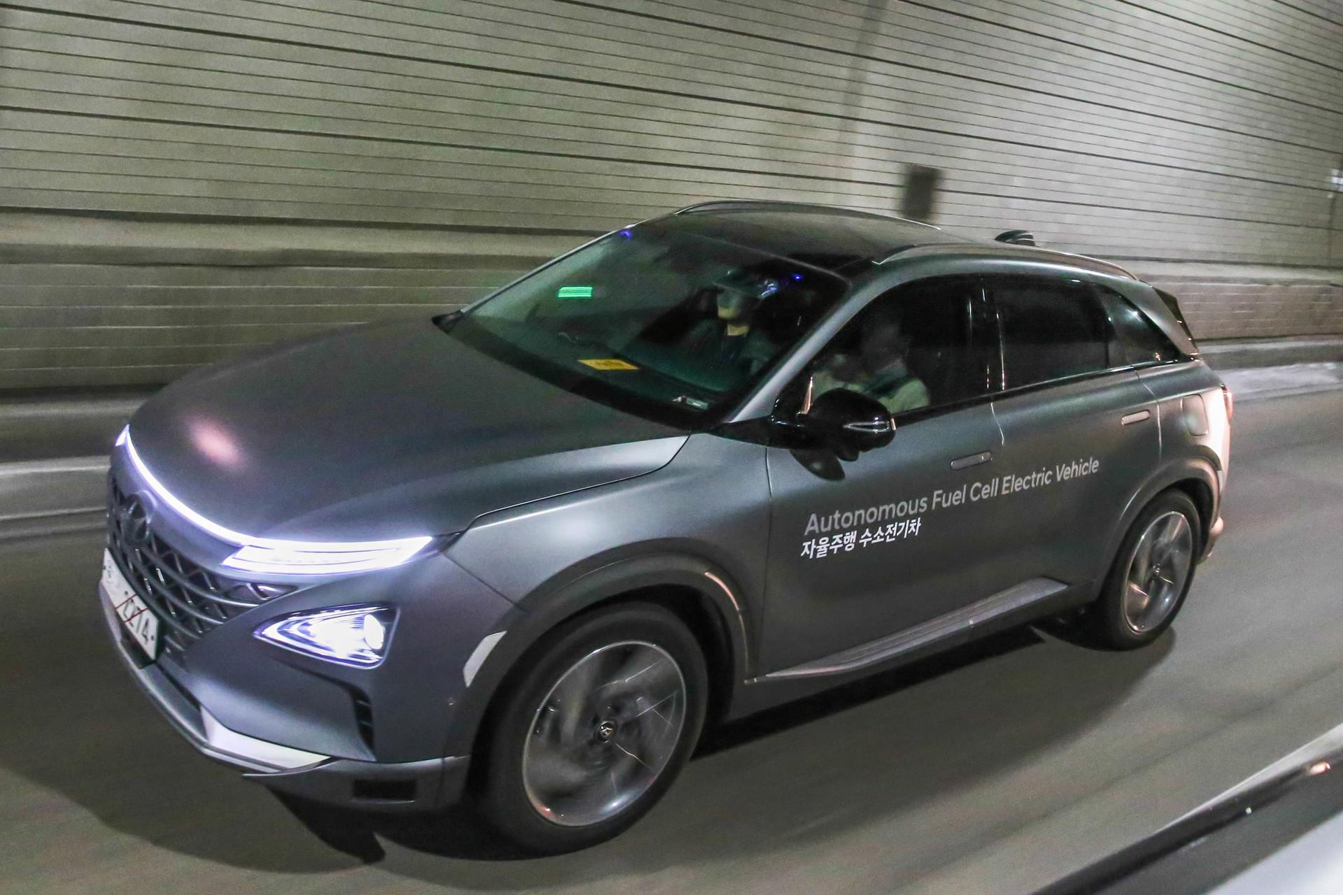 hyundai nexo rijdt vanaf 2021 autonoom  autonieuws