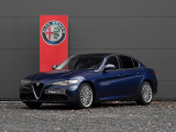 Alfa Romeo Giulia 2.2 Super 180pk | Veloce stoelen | Apple car-play | Panoramadak | Xenon